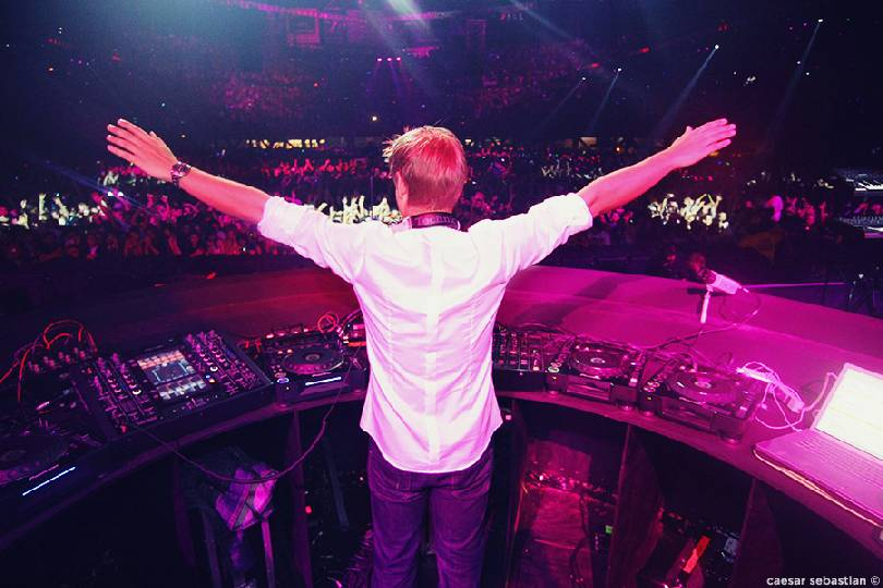 Los Angeles, Armin Only Imagine