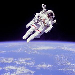 Armin poleci w kosmos!
