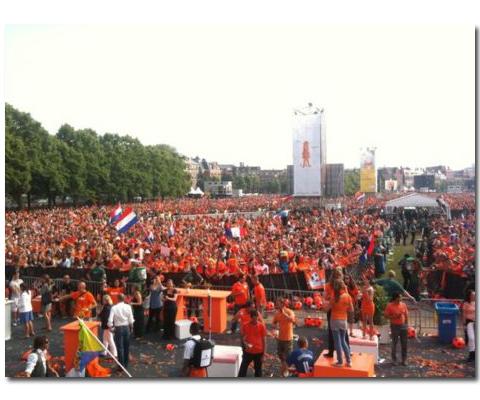 Armin i holenderscy piłkarze